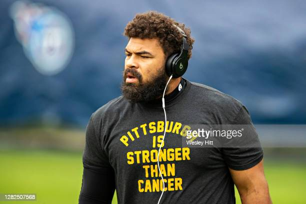 Cameron Heyward of the Pittsburgh Steelers warms up before a game against the Tennessee Titans at Nissan Stadium on October 25, 2020 in Nashville,...