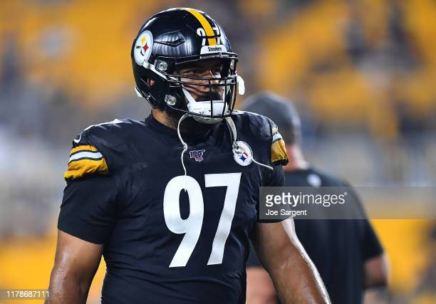 Cameron Heyward of the Pittsburgh Steelers warms up prior to the game against the Cincinnati Bengals at Heinz Field on September 30, 2019 in...