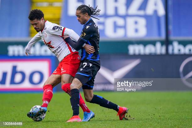 Cameron Humphreys of Zulte Waregem and Tahith Chong of Club Brugge during the Jupiler Pro League match between Club Brugge KV and Zulte Waregem at...