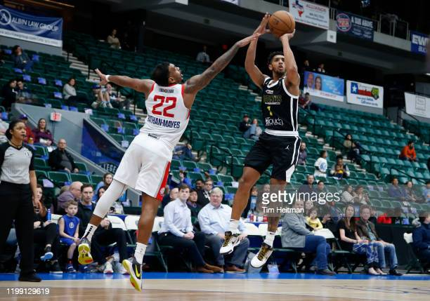 Cameron Payne of the Texas Legends shoots against Xavier RathanMayes of the Agua Caliente Clippers during the fourth quarter on February 06 2020 at...