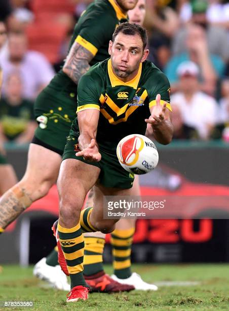 Cameron Smith of Australia passes the ball during the 2017 Rugby League World Cup Semi Final match between the Australian Kangaroos and Fiji at...