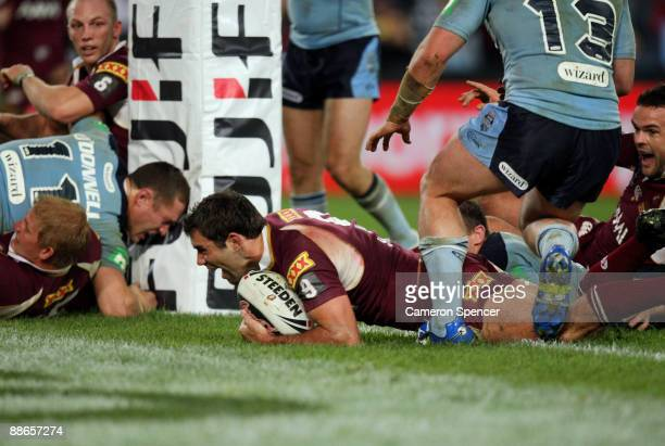 Cameron Smith of the Maroons scores the final try during game two of the ARL State of Origin series between the New South Wales Blues and the...