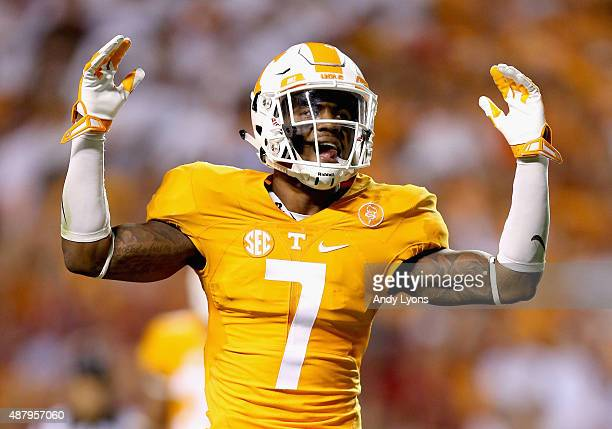 Cameron Sutton of the Tennessee Volunteers celebrates against the Oklahoma Sooners during the game at Neyland Stadium on September 12 2015 in...