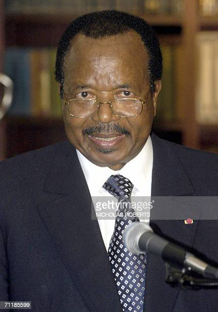 Cameroonian President Paul Biya makes a statement to the media and gathered dignataries after signing an agreement regarding disuputed oilrich...