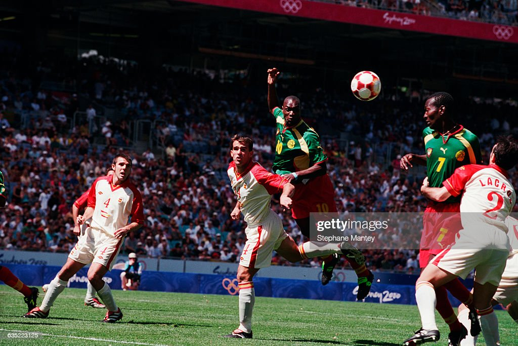 Soccer - Sydney 2000 Final - Spain vs Cameroon : News Photo