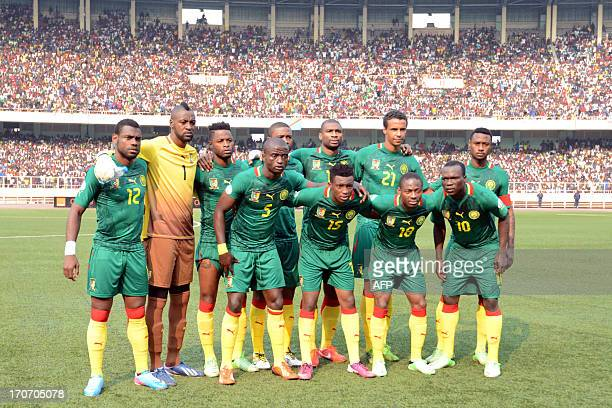 Cameroon's team poses before the 2014 World Cup football qualification match opposing the Democratic Republic of Congo to Cameroon at the Martyrs...
