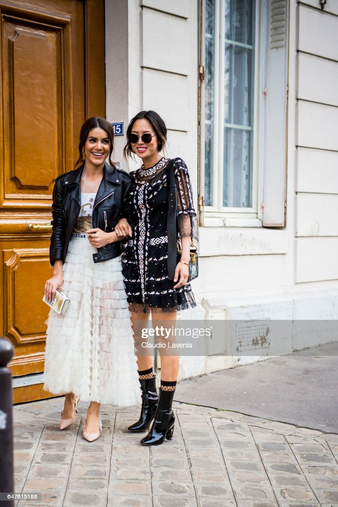 Street Style : Day Four- Paris Fashion Week Womenswear Fall/Winter 2017/2018 : Nachrichtenfoto