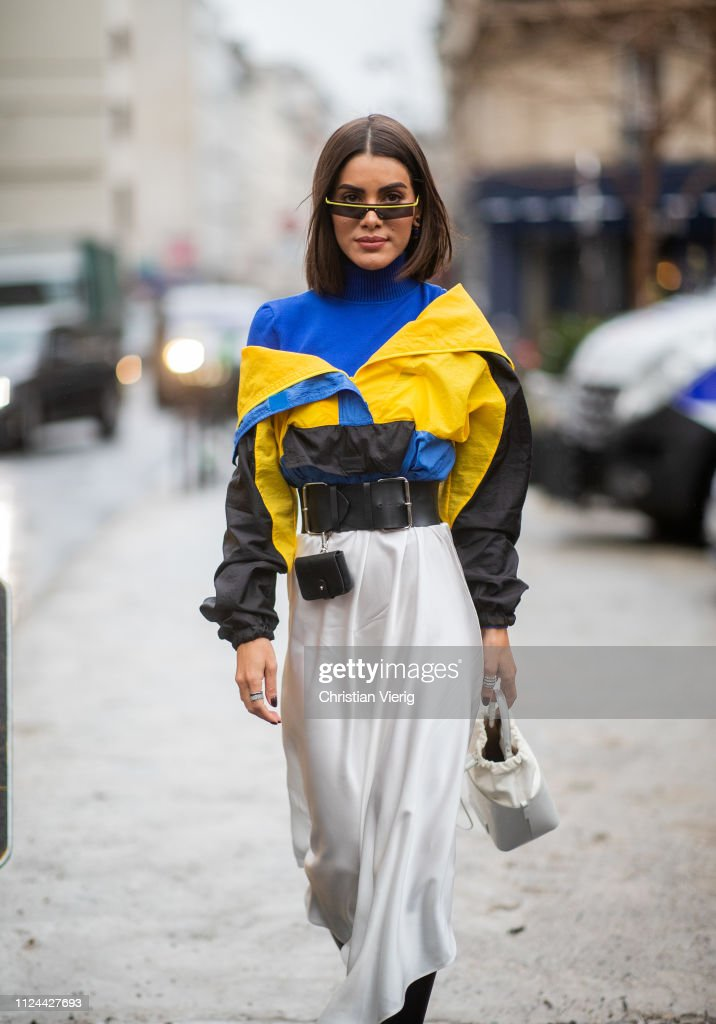Street Style - Paris Fashion Week - Haute Couture Spring Summer 2019 : Day  Three : News Photo