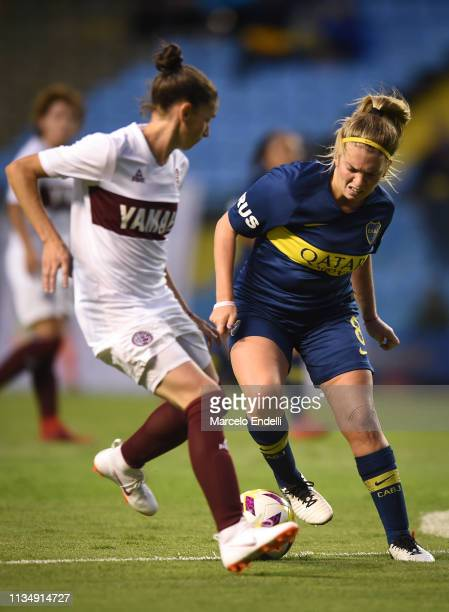 Camila Gomez Ares of Boca Juniors drives the ball during a match between Boca Juniors and Lanús as part of Zona Campeonato of the Women's First...