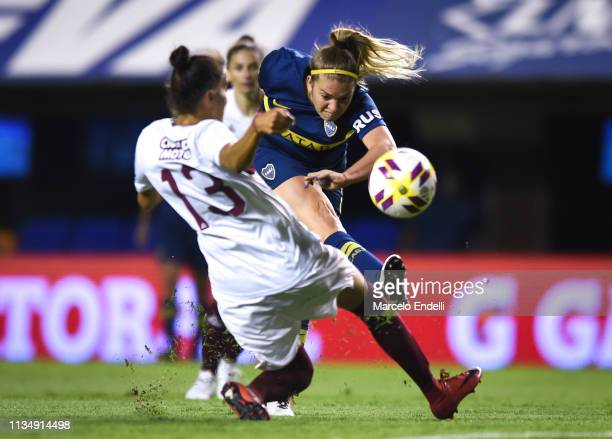 Camila Gomez Ares of Boca Juniors kicks the ball during a match between Boca Juniors and Lanús as part of Zona Campeonato of the Women's First...