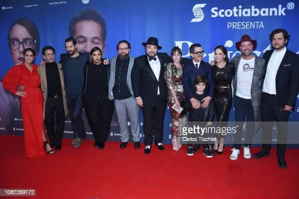 Camila Valero, Miguel Rodarte, Mariana Treviño, Manolo Caro, Ana Claudia Talancon poses for photos during a red carpet as part of the film 'Perfectos...