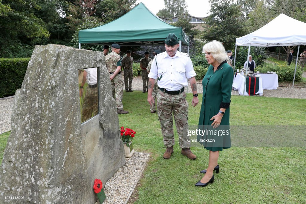 The Duchess Of Cornwall Visits The 1st Battalion The Rifles : ニュース写真