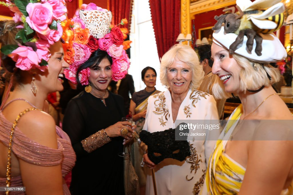 The Prince Of Wales And The Duchess Of Cornwall Host Reception For The Elephant Family Animal Ball : Nieuwsfoto's