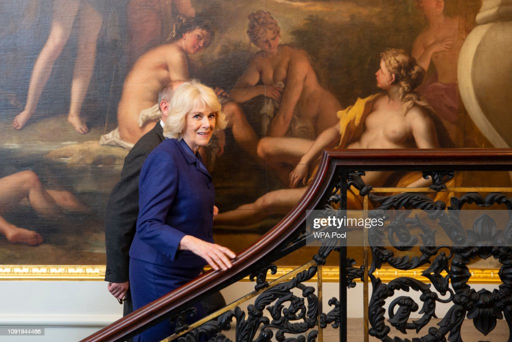 The Duchess Of Cornwall Visits The Royal Academy Of Arts : Fotografía de noticias