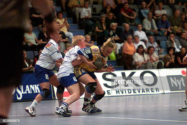 Camilla Frederiksen, FIF , Tonje Kjaergaard, Ikast