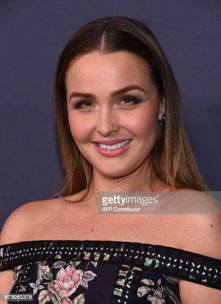 Camilla Luddington attends the 2017 Baby2Baby gala at 3labs in Culver City on November 11 2017 / AFP PHOTO / CHRIS DELMAS