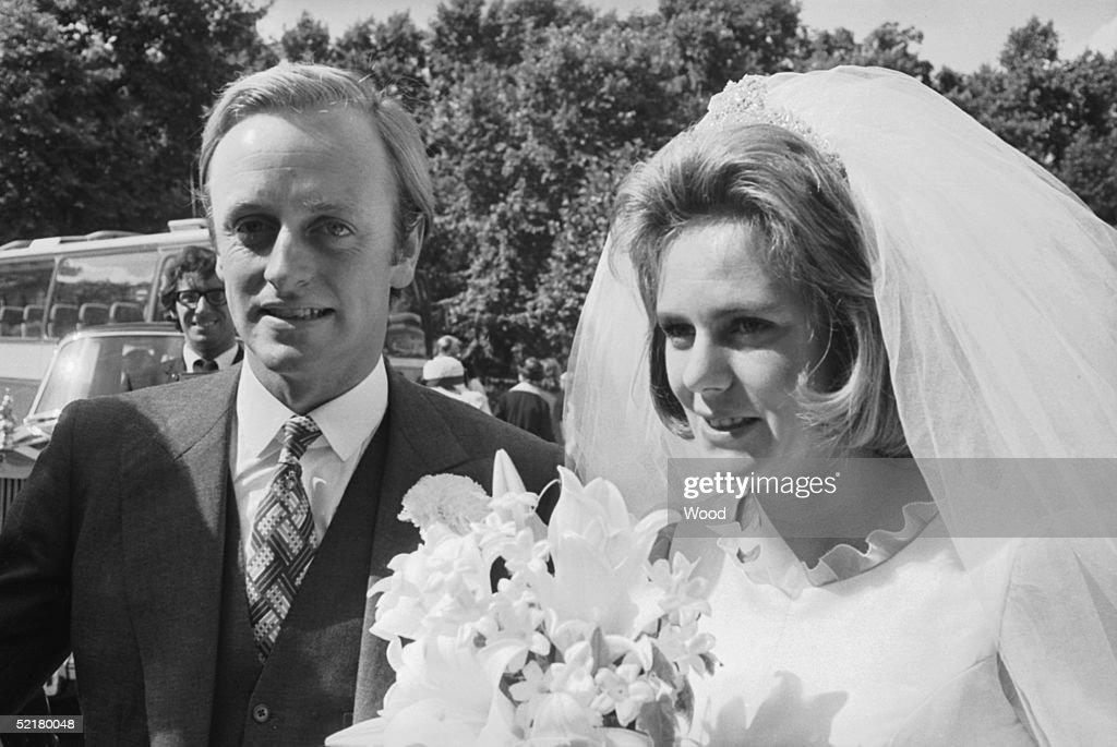 Parker-Bowles Marriage : Fotografía de noticias