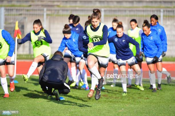 Camille Catala of Paris FC warms up before the Division 1 match between Paris FC and Lyon on January 14 2018 in Evry Bondoufle France