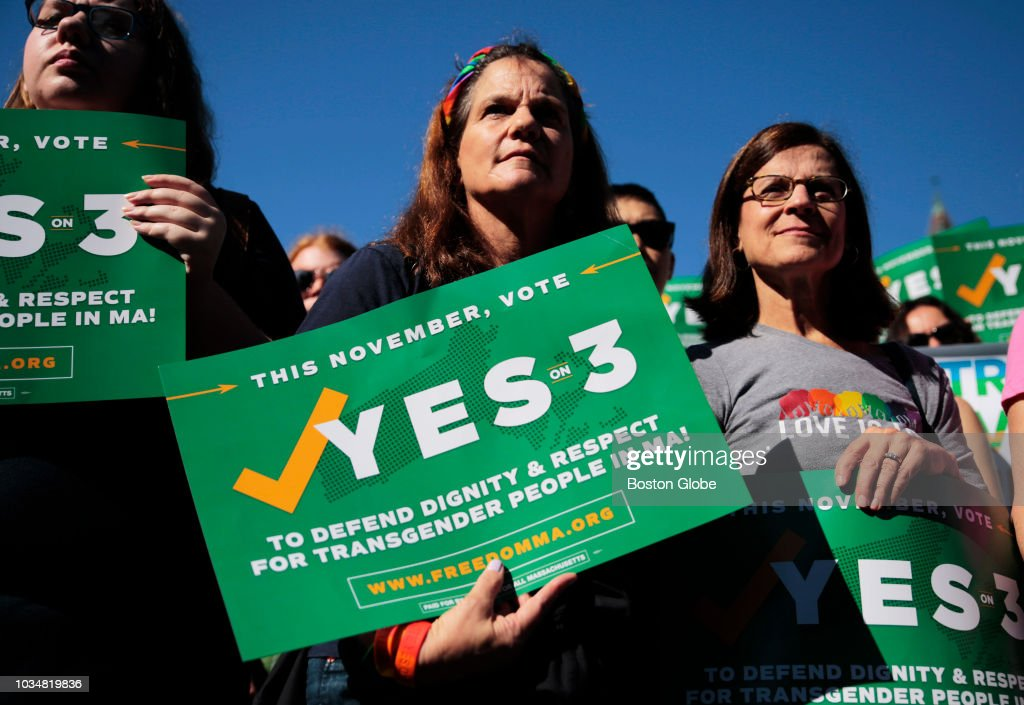 """""""Yes On 3"""" Rally In Boston's Copley Square : News Photo"""