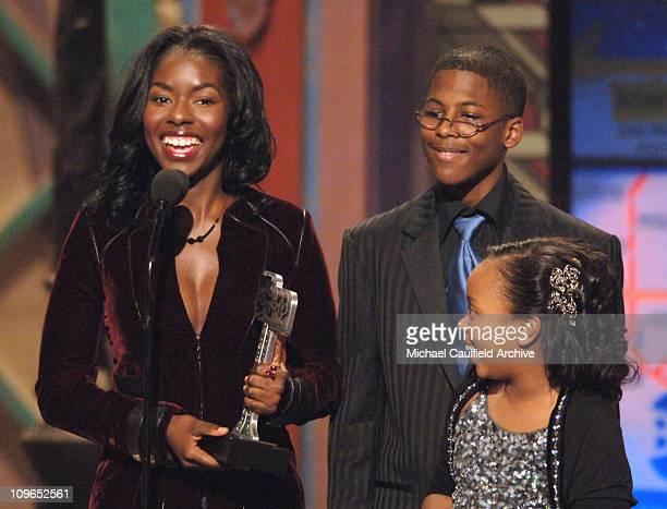 Camille Winbush Dee Dee Davis and Jeremy Suarez winners of Outstanding Comedy Series for The Bernie Mac Show