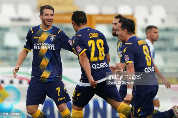 Camillo Ciano of Frosinone Calcio celebrate with his teammates after scoring a goal during the Serie B match between Pescara Calcio and Frosinone...