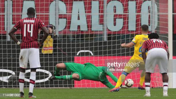 Camillo Ciano of Frosinone Calcio misses a penalty kicks during the Serie A match between AC Milan and Frosinone Calcio at Stadio Giuseppe Meazza on...