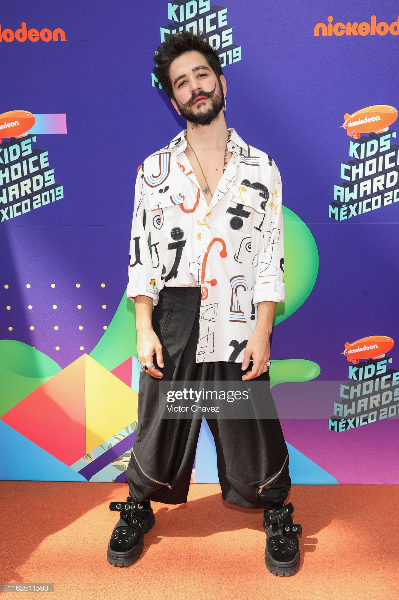 ¿Cuánto mide Camilo Echeverry? - Altura  Camilo-echeverry-attends-the-nickelodeon-kidss-choice-awards-mexico-picture-id1162511593?s=2048x2048