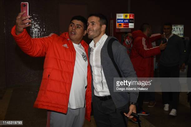 Camilo Mayada of River Plate and the fans arrives to Brazil May 20 2019 in Curitiba Brazil River Plate will face Atletico Paranaense as part of...