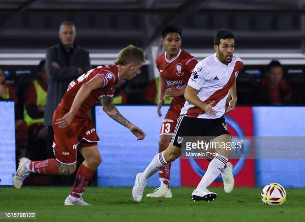 Camilo Mayada of River Plate drives the ball during a match between Huracan and River Plate as part of Superliga Argentina 2018/19 at Estadio Tomas...