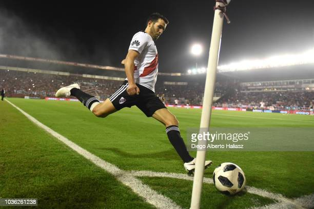Camilo Mayada of River Plate takes a corner kick during a round of 16 match between River Plate and Platense as part of Copa Argentina 2018 at...