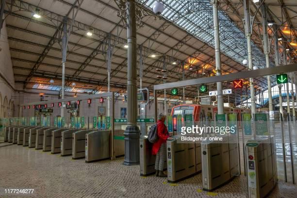 Caminhos De Ferro de train station platform 'Estacao do Rossio' Rossio Lisbon Portugal Bahnsteig Bahnhof «Estacao de Caminhos de Ferro do Rossio«...