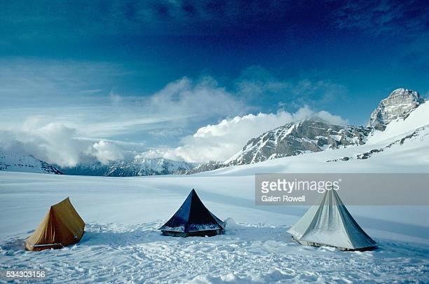 camp at nun kun - nun stock-fotos und bilder