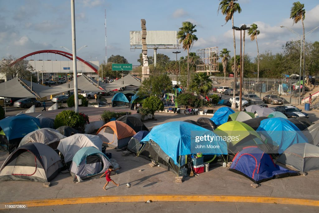 "Asylum Seekers Fill Tent Camps As Part Of U.S. ""Remain In Mexico"" Policy : News Photo"