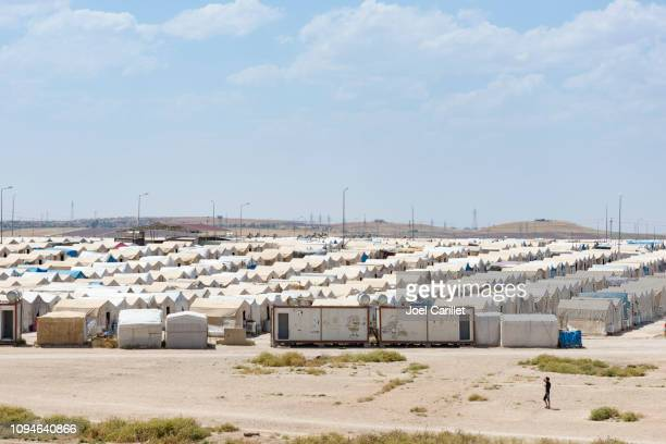 idp camp for yazidis in sharya, iraq - internally displaced person stock pictures, royalty-free photos & images