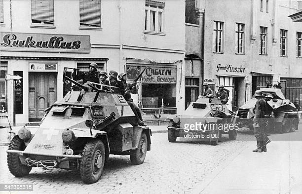 2 WW campaign in Poland 01 3rd army offensive into west prussia Armoured scout cars of the advance guard passing throug Dirschau beginning of...