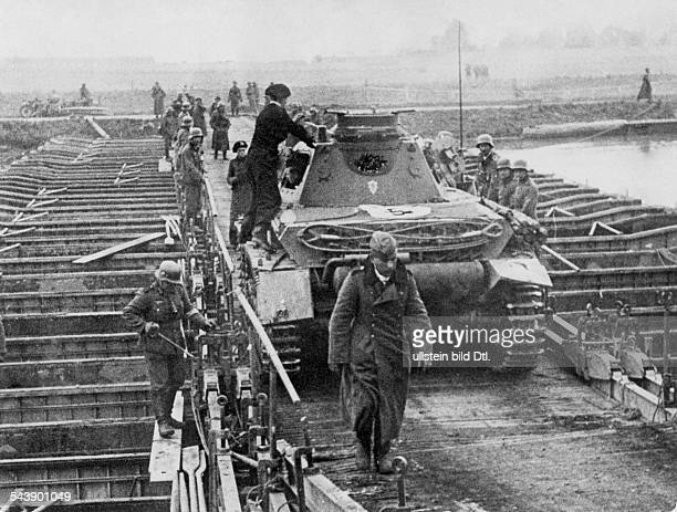 2WW Campaign in the west / battle of France 1005 German tank crossing the Meuse river on a pontoon bridge about No further information undated...