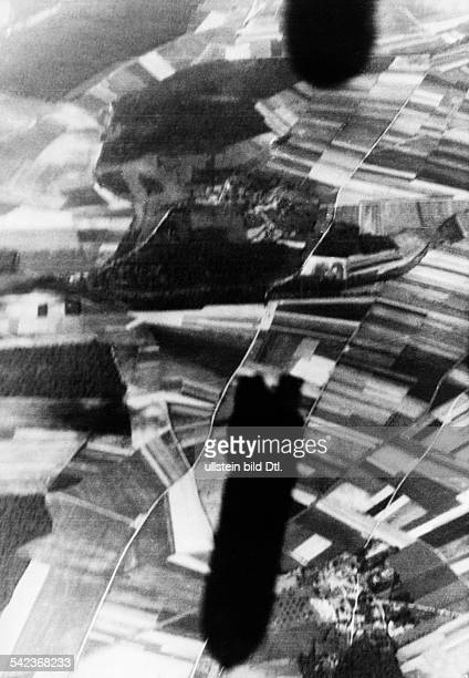 2WW Campaign in the west / battle of France 1940 air war german bomb attack on enemy targets south of Amiens no further informationMay 1940