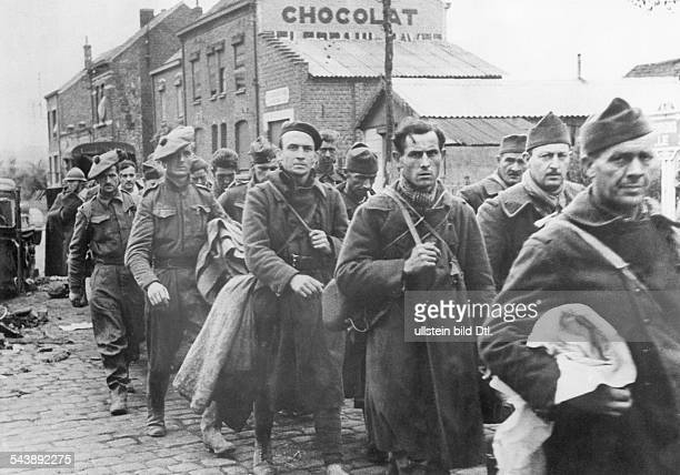 Campaign in the west / battle of France 1940: Captured french and british soldiers at the channel coast on their way to a prisoner camp. June 1940 No...