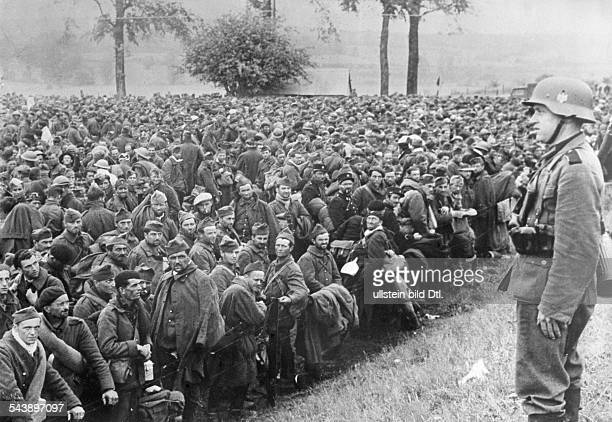 2WW Campaign in the west / battle of France 1940 Captured french british and belgian soldiers in an assmbly camp in Belgium about 10June 1940 No...