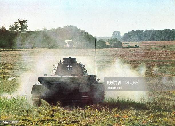 2WW Campaign in the west / battle of France 1940 German tank in combat against french antitankgun position no fuirther information Mai 1940