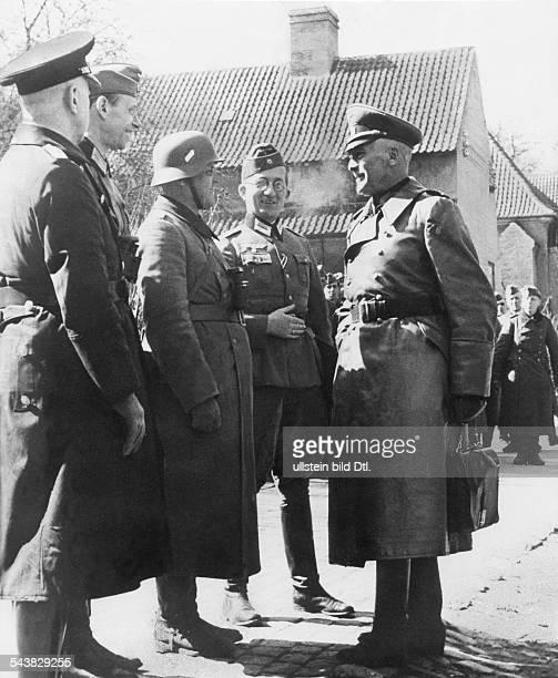 2 WW campaign of Denmark_Norway from on Denmark A german general talking to some officers Kopenhagen 10/