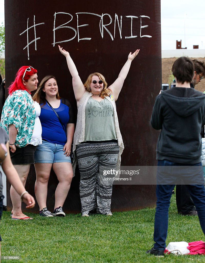 Campaign supporters show their support for Democratic presidential candidate Bernie Sanders before a campaign rally at the Big Four Lawn park May 3, 2016 in Louisville, Kentucky. Sanders is preparing for Kentucky's May 17th primary.