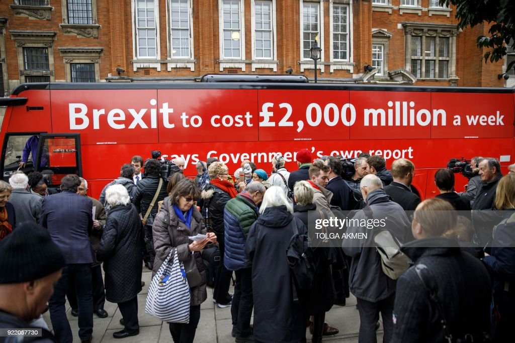 BRITAIN-EU-BREXIT-BUS : News Photo