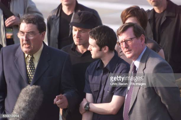 Campaigning for a YES vote are John Hume SDLP leader Bono of U2 Tim Wheeler of Ash and David Trimble before tonights concert in Belfast EDI Photo by...