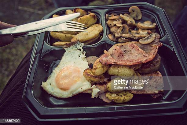 camping cooked lunch - catherine macbride stock pictures, royalty-free photos & images