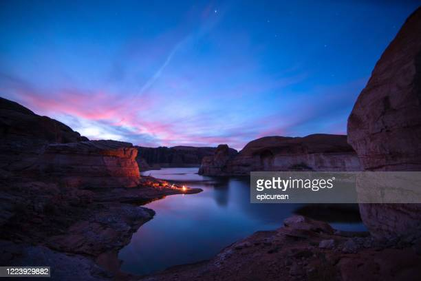 camping on lake powell - sea kayaking stock pictures, royalty-free photos & images