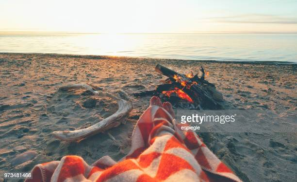 camping on lakeshore - lakeshore stock pictures, royalty-free photos & images