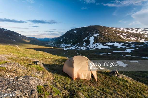camping tent in remote landscape - swedish lapland stock-fotos und bilder
