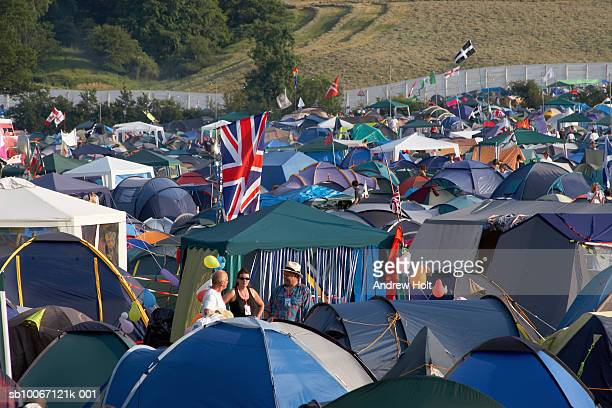 camping tents with union jack flag at glastonbury festival - andrew jack stock pictures, royalty-free photos & images