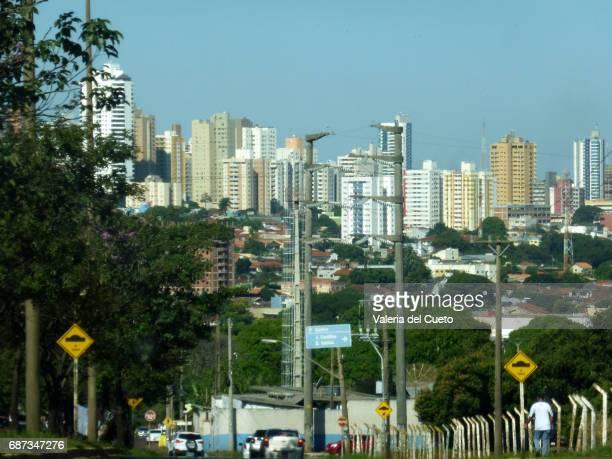 campo grande, capital de mato grosso do sul - sem fim... valéria del cueto stock pictures, royalty-free photos & images